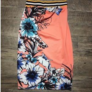 Zara Peach Floral Full Length Skirt w Style Fray